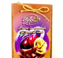 Prune în ciocolată cu nucă